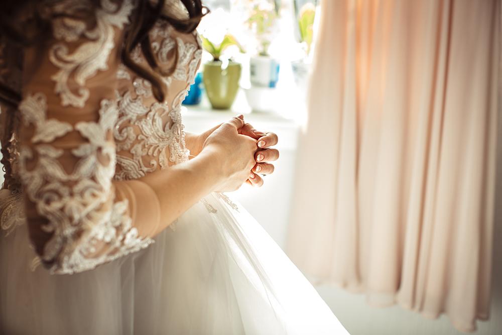 bride-wedding-dress-scotland