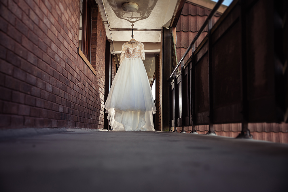 glasgow-bride-wedding-dress