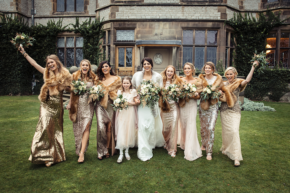 classic-wedding-winter-bridal-party