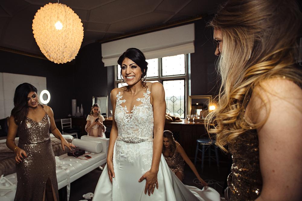 Pronoivas wedding dress